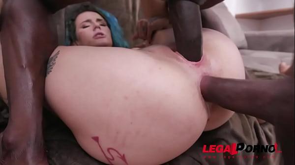 Thalia Senna gets fucked by 3 huge cocks with double penetration YE052