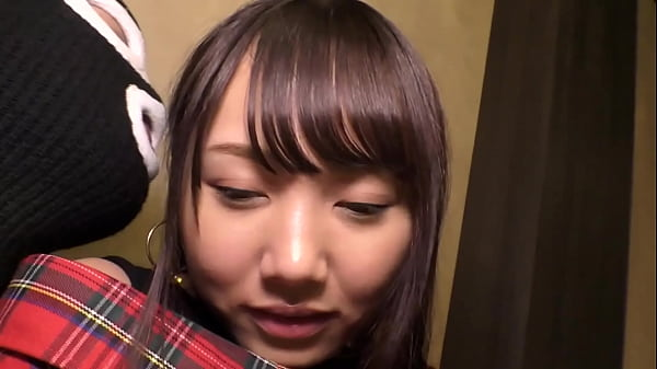 A Slender, Beautiful L*li Girl From Saitama With a Nice Looking Pussy! She's a Beautiful, Slender Girl With a Tight Pussy