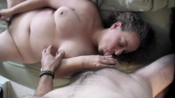 Sexy Cheating Wife MILF Fucks Neighbor Mature B...
