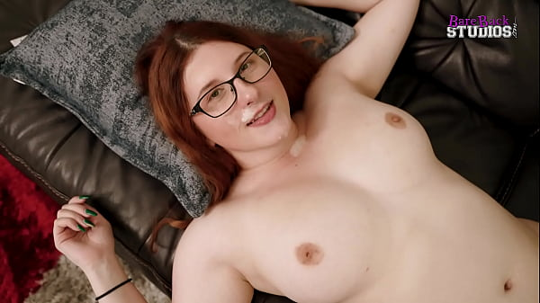 Fucking My Thicc Step Daughter on Movie Night after Mom goes to Bed - Bess Breast