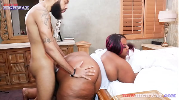 majiik bangs a big butt ssbbw mom