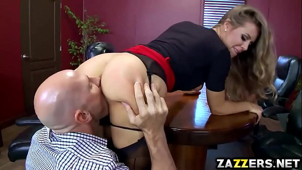 Johnny Sins eats Nicole Anistons vagina as a return favor