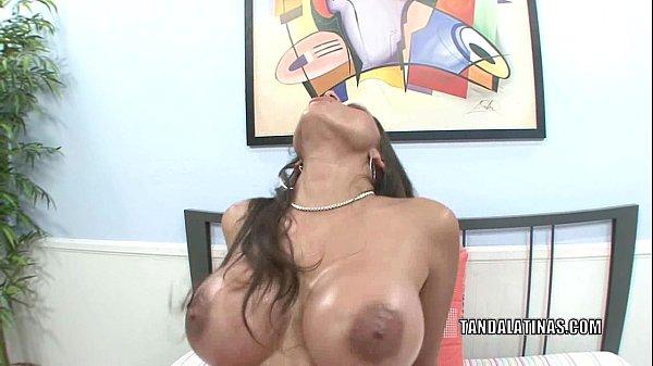 Curvy cutie Alexis Breeze gets her Latina twat banged