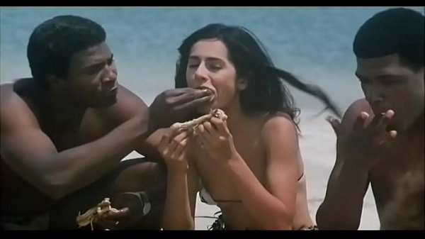 Indian Actress Kitu Gidwani Topless In French Movie Black Thumb