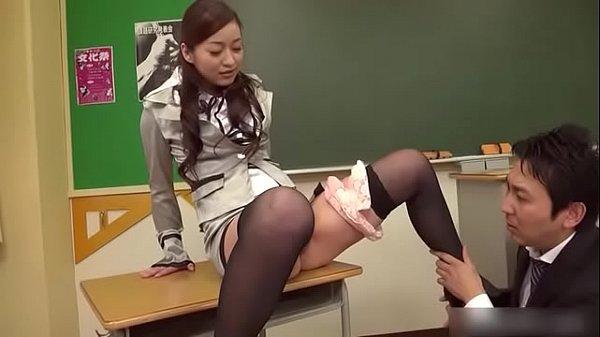 Teacher Maria Ono Squirts In Class...For full video:https://tii.ai/rqvdwbeb