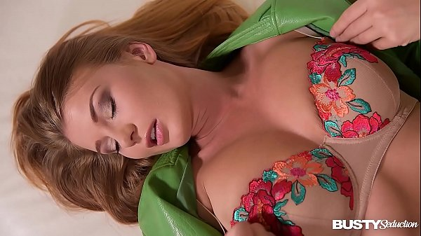 Busty seduction by curvy Czech Lucy Li's erotic pussy play with a dildo