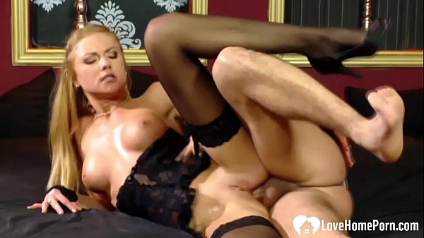 Anal fucking a tight blonde in hot stockings Thumb