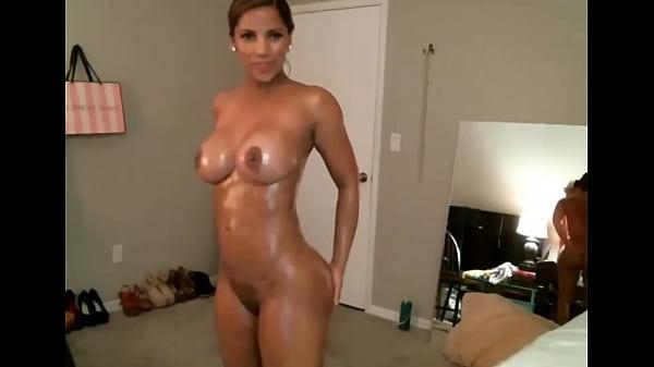Sexy latina dances with an oily body FappyBate.com