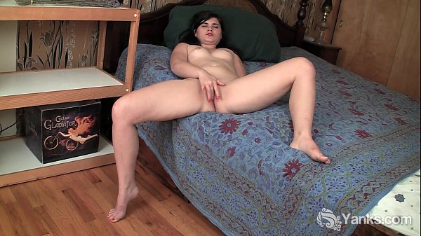 Lustful amateur Sarah fingers her shaved cunt Thumb