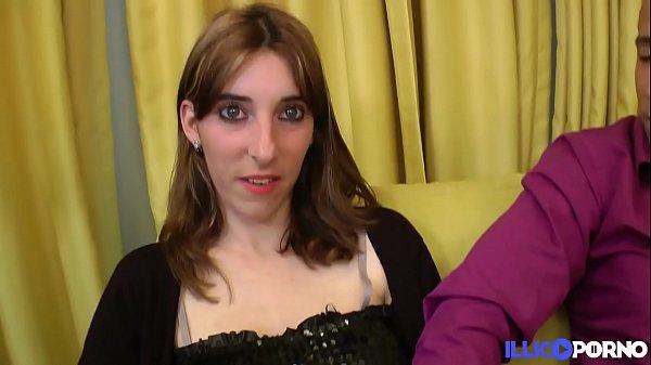 Julie est en manque et veut du sexe hard