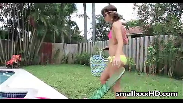 Caught This Teen Girl Naked In My Backyard - smallxxxHD.com