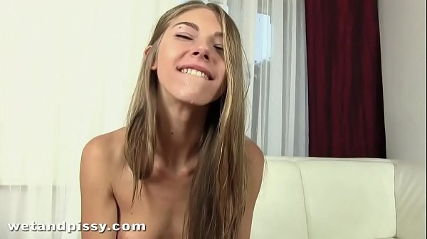 Piss in mouth for 18 year old russian girl Thumb
