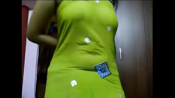 Aunty big boobs show webcam
