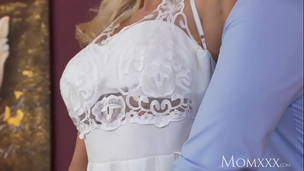 MOM Wet horny housewife needs to feel a thick hard cock inside her to cum