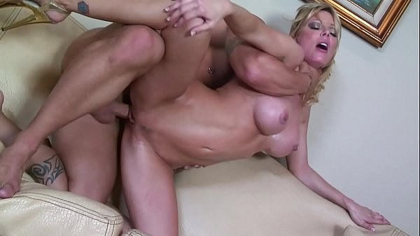 Hot Blonde Single Mom MILF tries to get a bette...