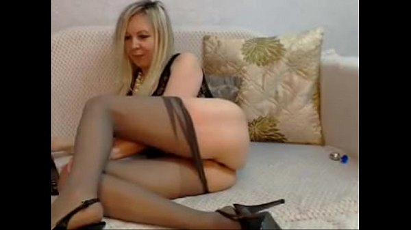HONY MILF IN PANY HOSE SUCKS AND FUCKS A TOY ON A WEB CAM SEE HER AND MORE AT WWW.ALTGOATWEBGIRLS.CO