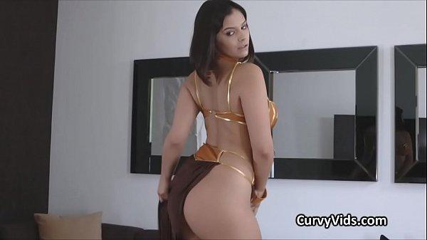 Curvy Leia appears on a hard dick