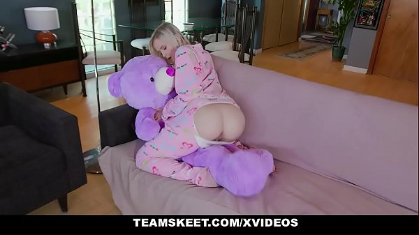 Blonde Teen Natalia Queen Gets Her Tiny Pussy S...