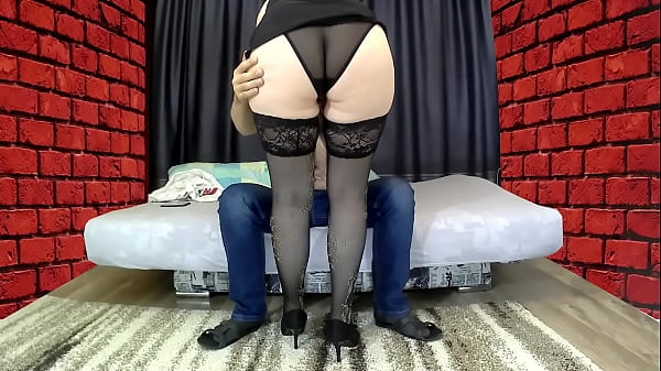 Mom with a big ass sat on her stepson's cock, gave a blowjob Thumb