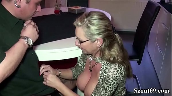 German MILF Seduce Young Worker to Fuck When Ho...