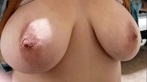 Wife showing her titties Thumb