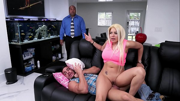 BANGBROS - Luna Star Droppin' Her Cuban Big Ass On Peter Green's Cock