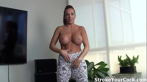 Richelle Ryan's big tits