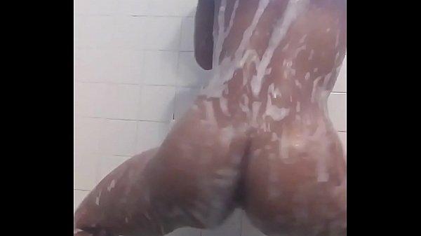 Ebony nude dancing