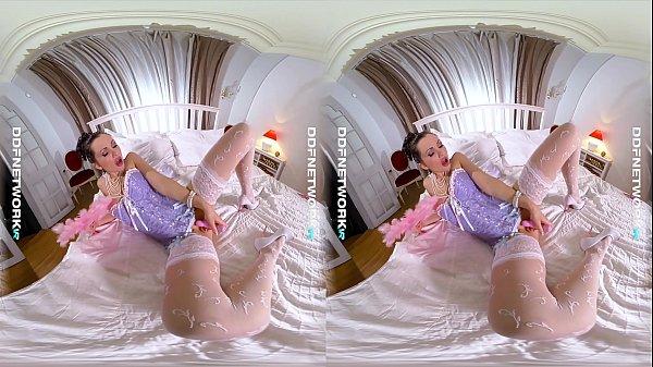 DDFNetwork VR - Sasha Rose Cosplay Masturbation...
