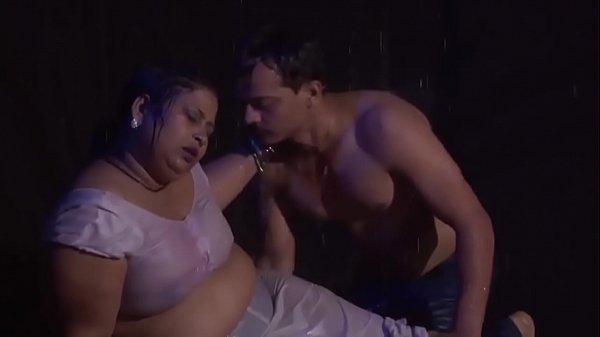 Hot Chubby Desi Aunty Rain Romance Sho Hot Body