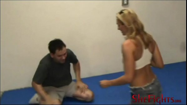 Grappling: Julie vs Van The Man - Scissorhold Session from Strong Fighter