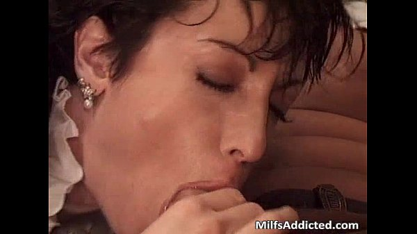 Great short haired milf got banged after Thumb