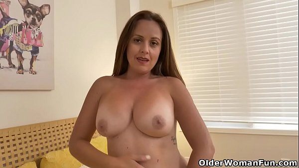 Canadian milf Brandii goes to town on her gorge...