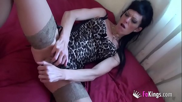Extreme penetrations to Carla Crosh, the queen of pussy Double Penetration Thumb
