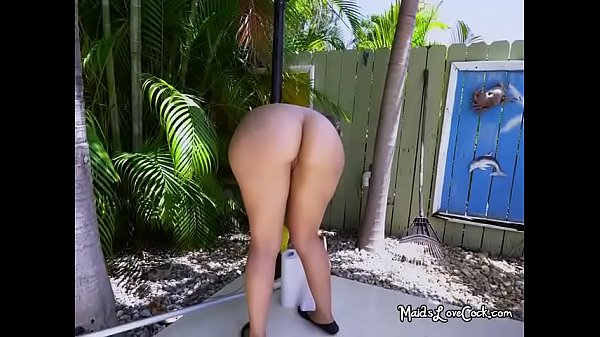 Curvy Maid Valentina Jewels Goes Naked For Her Boss