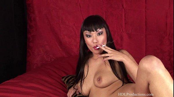 Avena Lee - Smoking Fetish at Dragginladies