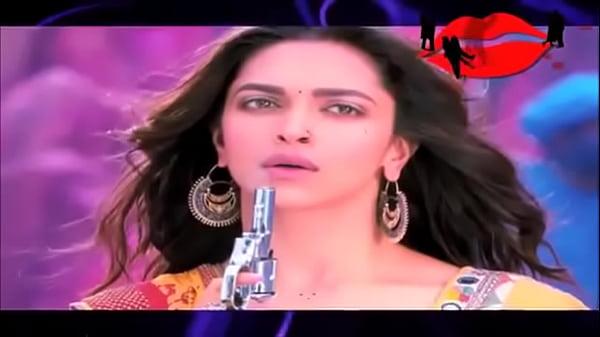 WapSung.com Deepika Padukone Hot Bed Scene Ranveer Singh