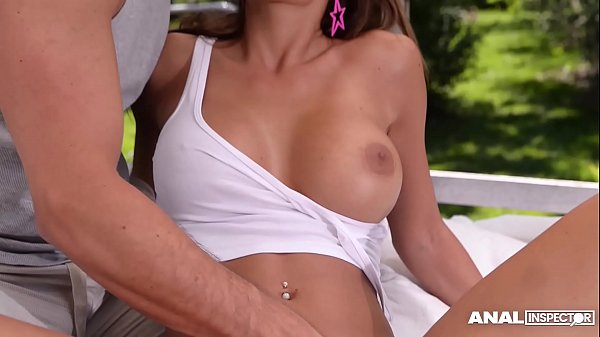 Anal fucking makes top model Satin Bloom orgasm many times in the outdoors