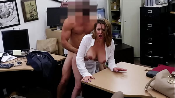 XXX PAWN - Foxy Business Lady Gets Fucked In Sh...