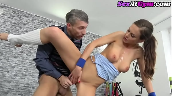 Gym babe riding nerd cock before tugging and bj