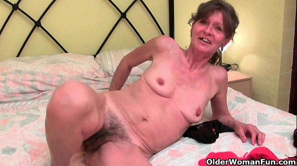 Hairy granny gets her saggy tits and furry hole fondled Thumb