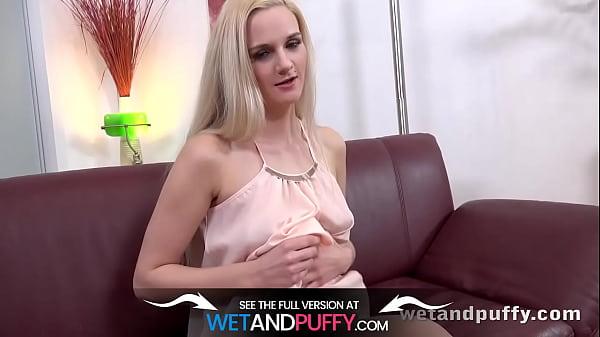 Wetandpuffy - Puffy Peach Spread - Masturbation Thumb