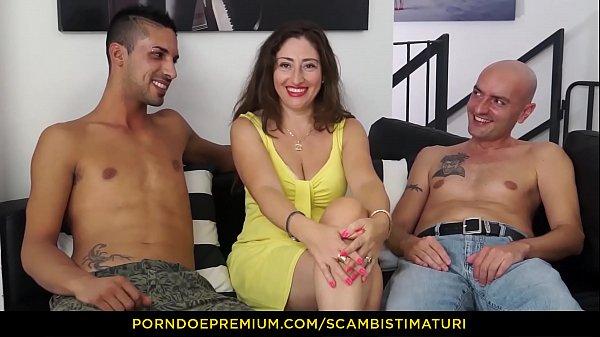 SCAMBISTI MATURI - Eva Ferrari prende i cazzi di Yuri Loco e Max Ferri