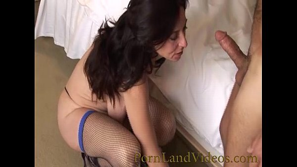 slutty mommy shaved pussy fucking anal