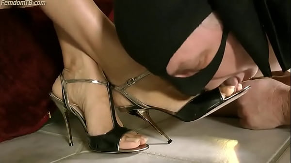 Worship Her Toes
