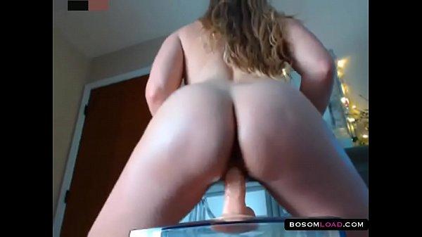 Thick blonde pierced pussy orgasm