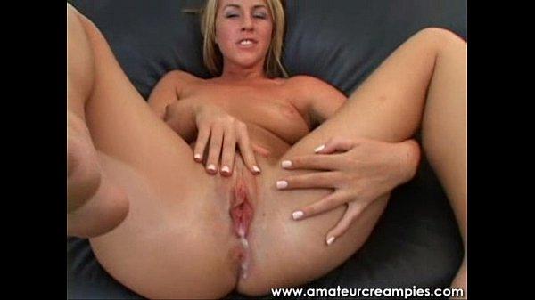 Amateur Girl Pounded Hard Inside Her Pussy for a Creampie Thumb