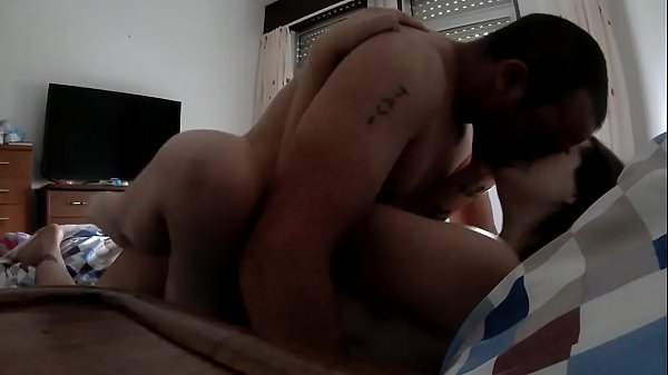 ROMANTIC SEX IN THE MORNING WANTS FAT COCK SUCK IT AND FEEL IT INSIDE UNTIL RELEASE A GOOD SQUIRT OF MILK