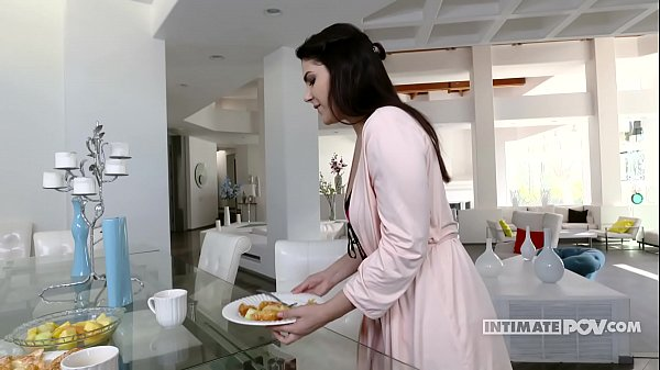 Curvy latina Valentina Nappi morning sex - itsPOV