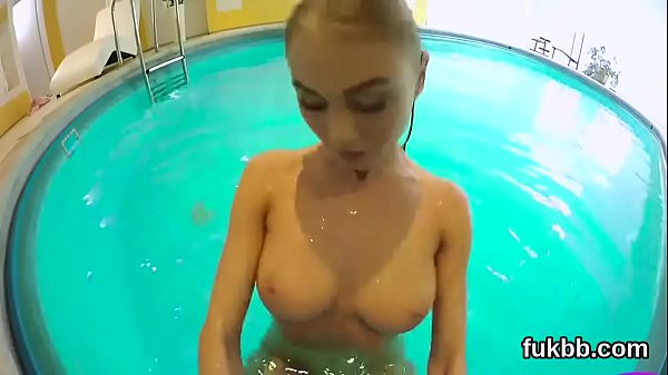 Unusual chick finger fucks slit and gets licked and fucked in pov